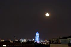 Agbar wierza przy nocą z księżyc, Barcelona Zdjęcie Stock