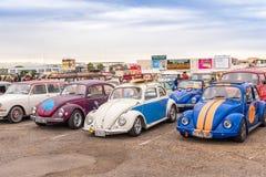 AGDE, FRANCES - 9 SEPTEMBRE 2017 : Groupe de scarabées de Volkswagen ex Image stock