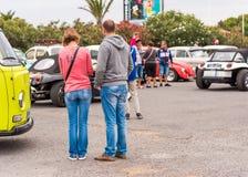 AGDE FRANCJA, WRZESIEŃ, - 9, 2017: Grupa wolkswagen ścigi eksponować podczas 16th wolkswagena spotkania nakrętka d ` Agde Obrazy Royalty Free