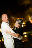 aged couple dancing middle Στοκ φωτογραφία με δικαίωμα ελεύθερης χρήσης
