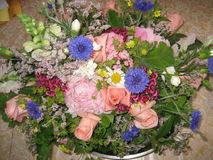Agencement de fleurs 32 Photos stock