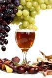 Agencement de vin et de raisins   Image libre de droits
