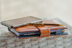 Agenda, die op memorandumboek schrijven royalty-vrije stock fotografie