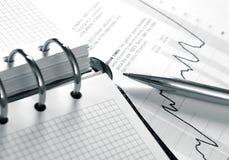 Agenda en ballpoint stock afbeelding