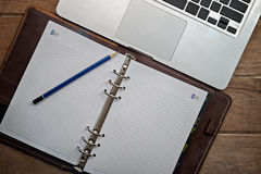 Agenda met Laptop Royalty-vrije Stock Foto