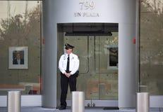 Agent de sécurité dans la mission avant des Etats-Unis aux Nations Unies Photographie stock libre de droits