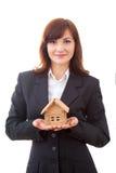 Agent nieruchomości z domu modelem Zdjęcie Stock