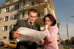 Agente che mostra posizione piana Immagine Stock Libera da Diritti