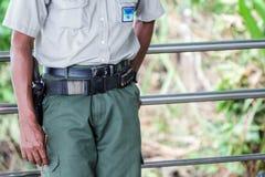 Agente da polícia em América Central no dever Fotos de Stock