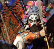 Agente de la ópera de China con la pintura facial fotografía de archivo