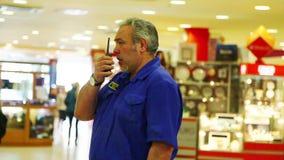 Agente de seguridad en la tienda metrajes
