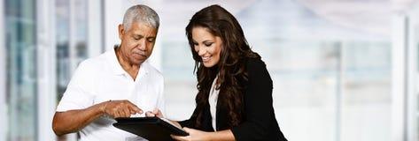 Agente de seguros fêmea imagens de stock royalty free