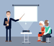 Agente di assicurazione nel seminario per gli anziani Immagine Stock
