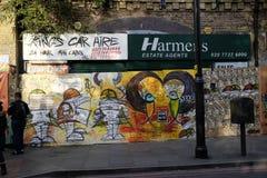 Agente immobiliare locale chiuso giù nel Brixton, area di arché Fotografie Stock Libere da Diritti