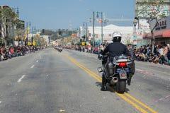 Agentes da polícia nas motocicletas que executam em Fotografia de Stock
