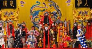 Agentes no identificados de la compañía de la ópera de Pekín imágenes de archivo libres de regalías