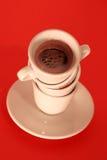 Aggiunta del caffè fotografia stock