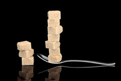 Aggiunta dello zucchero Fotografie Stock