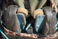 aggressiv ryggsäcklinje rollerblades Royaltyfria Foton
