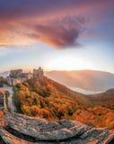 Aggstein kasztel z jesień lasem w Wachau, Austria Zdjęcia Stock