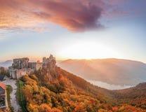 Aggstein kasztel z jesień lasem w Wachau, Austria Fotografia Royalty Free