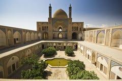 Agha Bozorg meczet w Kashan przy światłem dziennym i szkoła, Iran Zdjęcie Royalty Free