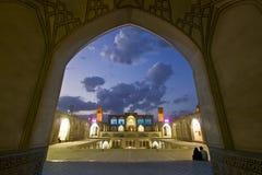 Agha Bozorg meczet w Kashan w wieczór i szkoła, Iran Fotografia Royalty Free