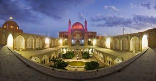 Agha Bozorg meczet w Kashan w wieczór i szkoła, Iran Zdjęcie Royalty Free