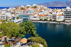 Aghios Nikolaos miasto przy Crete wyspą w Grecja Widok schronienie Fotografia Royalty Free