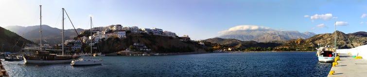 Agia Galini Hafen und Schacht Stockfoto