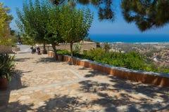 Agia Irini, Grecja Lipiec 27 2016: Ogród w Agia Irini Monaste Zdjęcie Stock