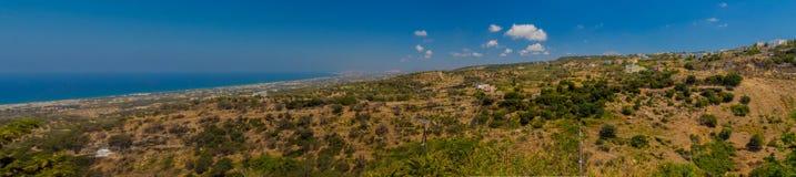 Agia Irini, Grecja Lipiec 27 2016: Panoramiczny widok góry Fotografia Royalty Free