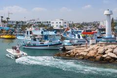 Agia Napa Marina, przyjemności łódź Obrazy Stock