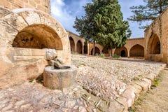 Agia Napa monasteru knury przewodzą fontannę w Cypr 1 Obraz Royalty Free