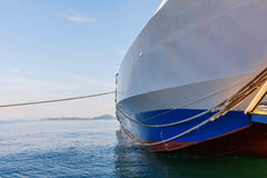 Agia Triada在口岸海岸的货船  库存图片