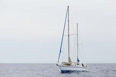 Żagiel łódź w morzu Fotografia Stock