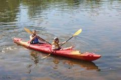 Żagiel na rzece w kajaku Fotografia Stock