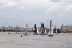 Żagiel łodzie na Neva rzece Fotografia Stock