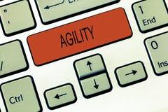 Agilidade do texto da escrita da palavra O conceito do negócio para que a capacidade mova-se pensa compreende rapidamente e facil fotografia de stock