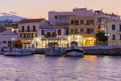 AGIOS NIKOLAOS, CRETE - JULY 28, 2012: The lively evening street Royalty Free Stock Photography