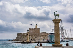 Agios Nikolaos forteca i rogacz, Rhodes stary miasteczko, Grecja Zdjęcia Stock