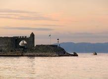 Agios Nikolaos forteca na Mandraki schronieniu Rhodes Fotografia Stock