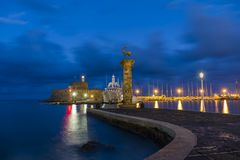 Agios Nikolaos forteca na Mandraki schronieniu Rhodes Zdjęcia Stock