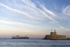 Agios Nikolaos forteca na Mandraki schronieniu Rhodes Grecja Zdjęcie Royalty Free