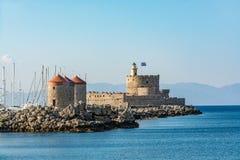Agios Nikolaos Fortress und Mühlen, alte Stadt Rhodos, Griechenland Stockfoto
