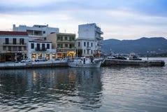 AGIOS NIKOLAOS, GRECJA - OKOŁO MAJ 2008: Panoramiczny widok nadbrzeże Agios Nikolaos, Crete wyspa, Grecja, około Maj 2008 Zdjęcia Royalty Free