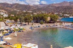 AGIOS NIKOLAOS GRECJA, SIERPIEŃ, - 2, 2012: Turysty pływanie w Ja Fotografia Royalty Free