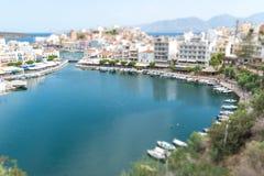 Agios Nikolaos i Voulismeni jezioro w Crete wyspie Zdjęcie Royalty Free