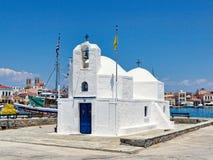 Agios Nikolaos im Hafen von Aegina-Insel, Griechenland Stockfotos
