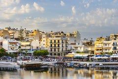 Agios Nikolaos miasteczko przy lata popołudniem Obrazy Royalty Free